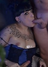 Kelly Seduces and Teases the Pool boy into Sucking and Fucking Her Hard