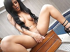 Gorgeous Bruna strokes and pees