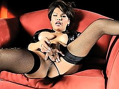 Gorgeous Carmen fingering and toying